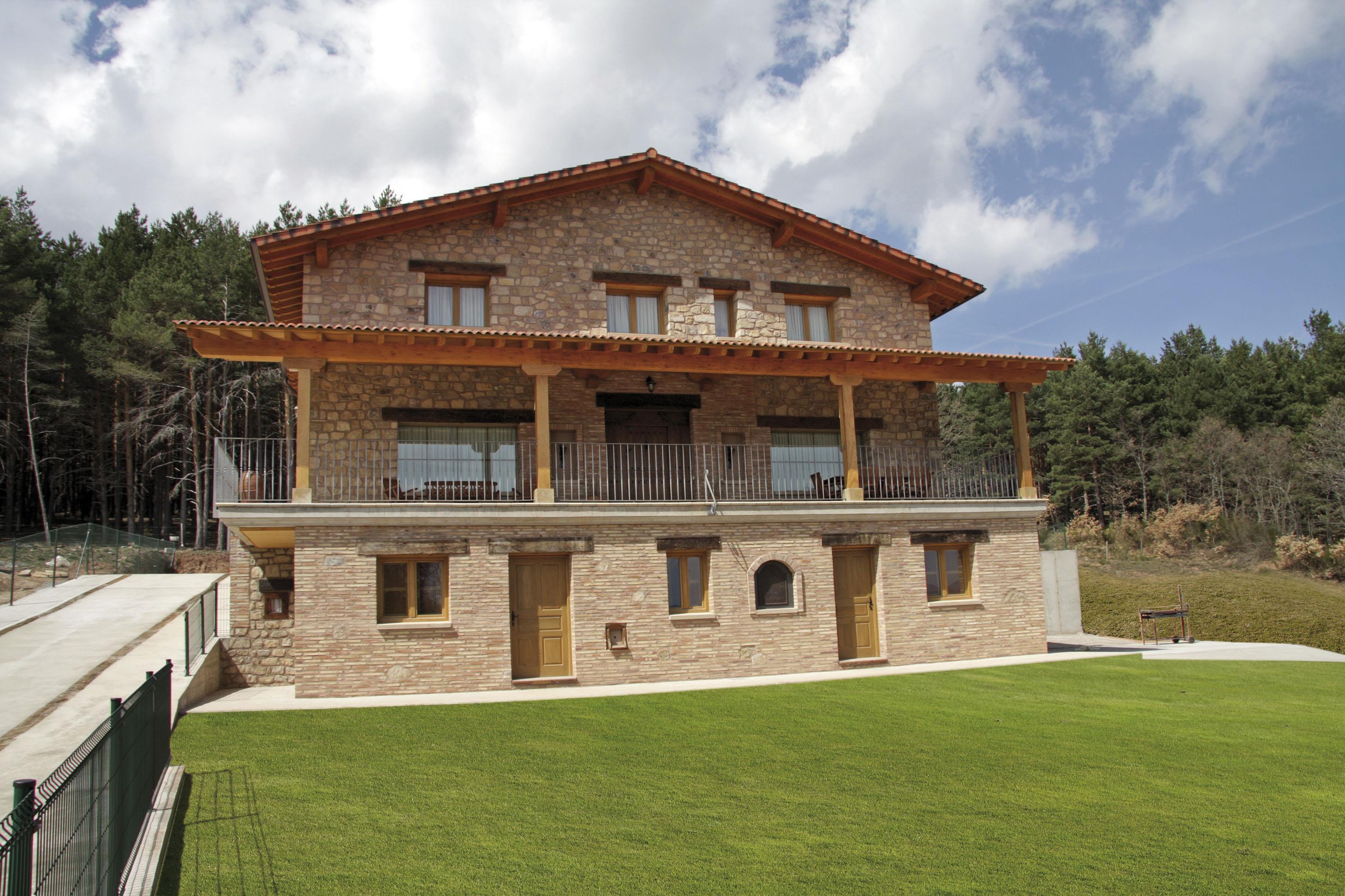Casa rural entrebosques alojamientos la rioja turismo for Casas rurales con piscina comunidad valenciana