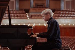 Un virtuoso pianista de 17 años
