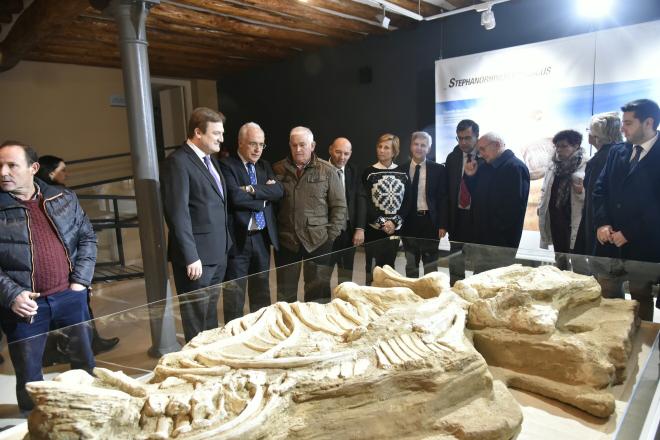 """Ceniceros resalta el papel del renovado Centro Paleontológico de Enciso como """"referente"""" en su área de estudio y en la difusión turística del valle"""