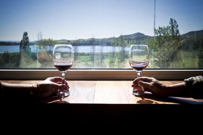 Conversación en torno al vino
