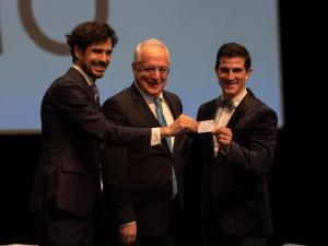 Ceniceros agradece a Pablo Sáinz Villegas y Carlos Coloma que actúen de embajadores de La Rioja por todo el mundo