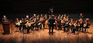 Invitación a un viaje sonoro. De Rafael Alberti. Concierto de la Orquesta de Plectro Ciudad de La Mancha y Pedro Chamorro (recitador)