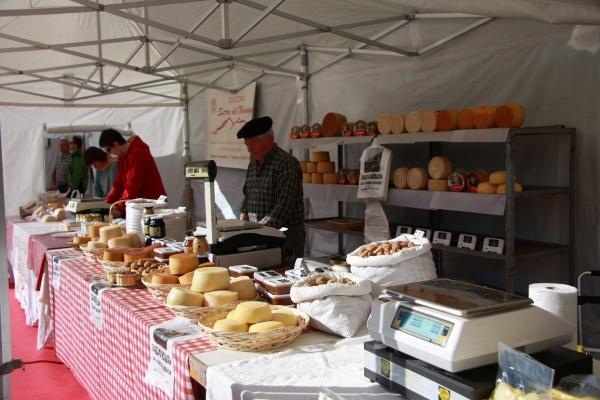 Cheese Fair in Munilla