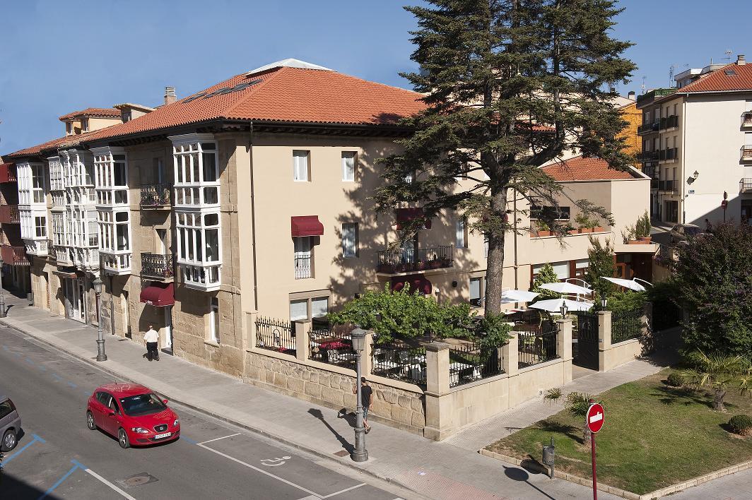 Hotel arrope alojamientos la rioja turismo for Alojamiento en la rioja espana