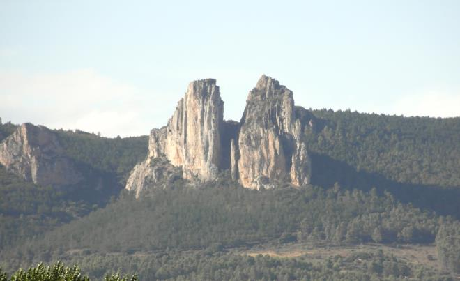 Montes Obarenes - Sierra de Toloño: Tierra del vino