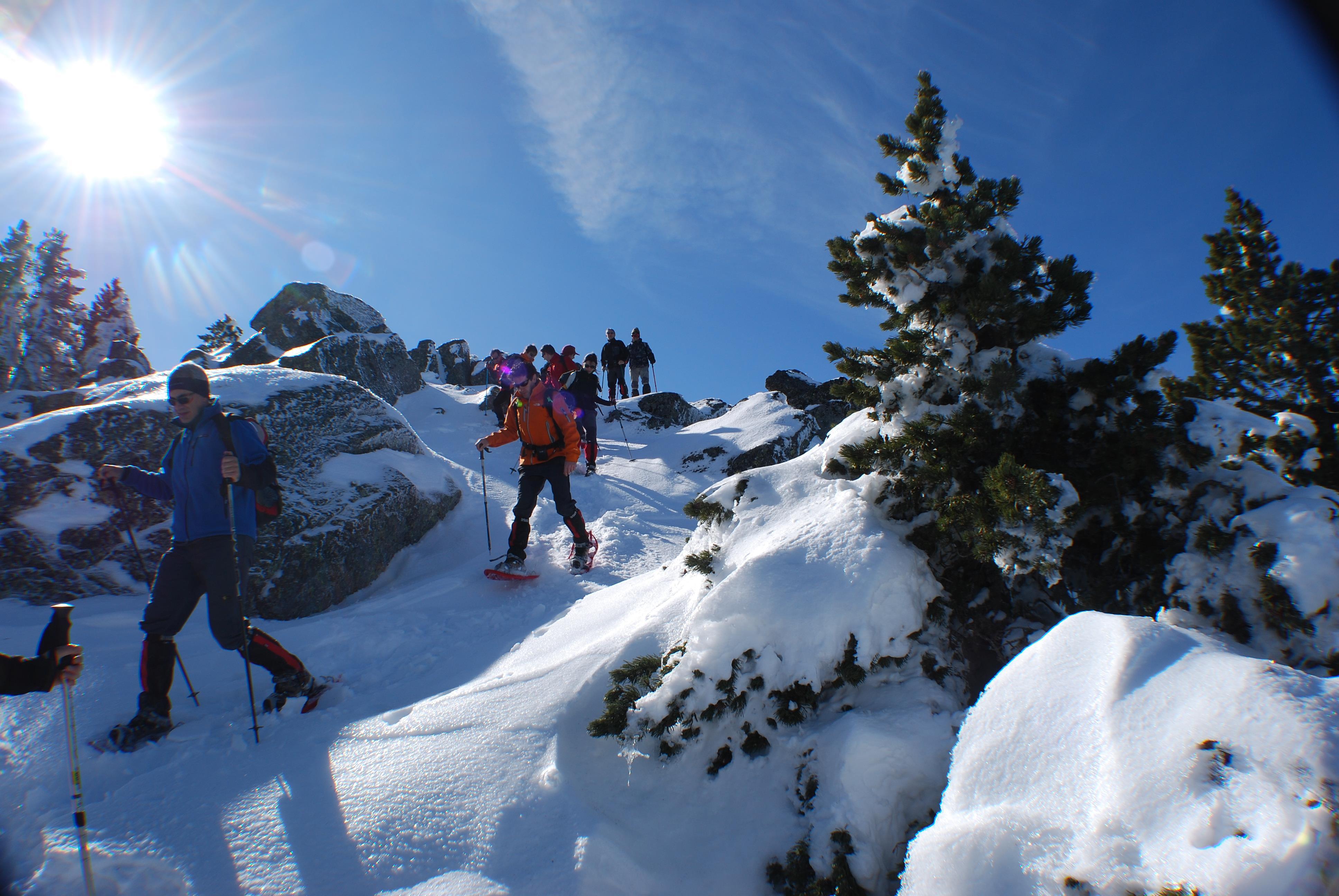 actividades de aventura en la nieve creacin de igls raquetas