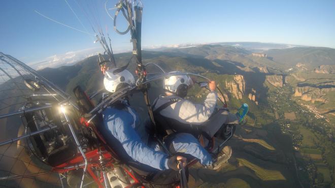Paratrike: vuelos en parapente con motor