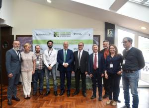 Ceniceros destaca que el turismo rural contribuye al desarrollo económico y social sostenible de La Rioja y al arraigo de población en el medio rural