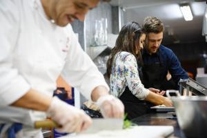 ¿Quieres ser por unas horas un cocinero con dos estrellas Michelín?