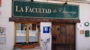 LA FACULTAD DE CASTROVIEJO